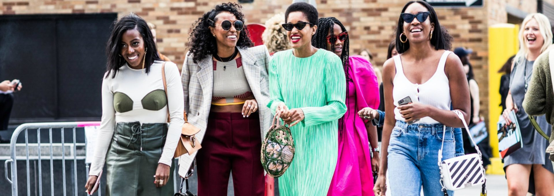 Fashion Trends - 10 Best Street Style Looks from New York Fashion Week - New York Fashion Week Spring/Summer 2018 - NYFW 2018 ➤ Discover the season's newest design news and inspiration ideas. Visit Daily Design News and subscribe our newsletter! #dailydesignnews #designnews #bestdesignevets #NYFW2018 #NewYorkFashionWeek2018 #NYFW #NewYorkFashionWeek