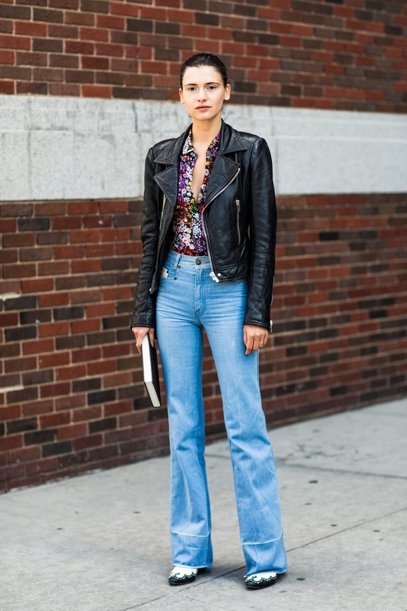 Fashion Trends - 10 Best Street Style Looks from NY Fashion Week - NYFW Spring/Summer 2018 - NYFW 2018 ➤ Discover the season's newest design news and inspiration ideas. Visit Daily Design News and subscribe our newsletter! #dailydesignnews #designnews #bestdesignevets #NYFW2018 #NewYorkFashionWeek2018 #NYFW #NewYorkFashionWeek