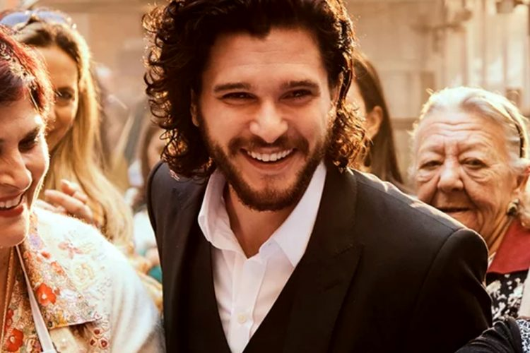 Take a Look at Dolce & Gabbana New Ad Campaign Starring GoT Superstars - Game of Thrones, GoT - Emilia Clarke - Kit Harington - The One new fragrance ➤ Discover the season's newest design news and inspiration ideas. Visit Daily Design News and subscribe our newsletter! #dailydesignnews #designnews #bestdesignevets #GameofThrones #GoT