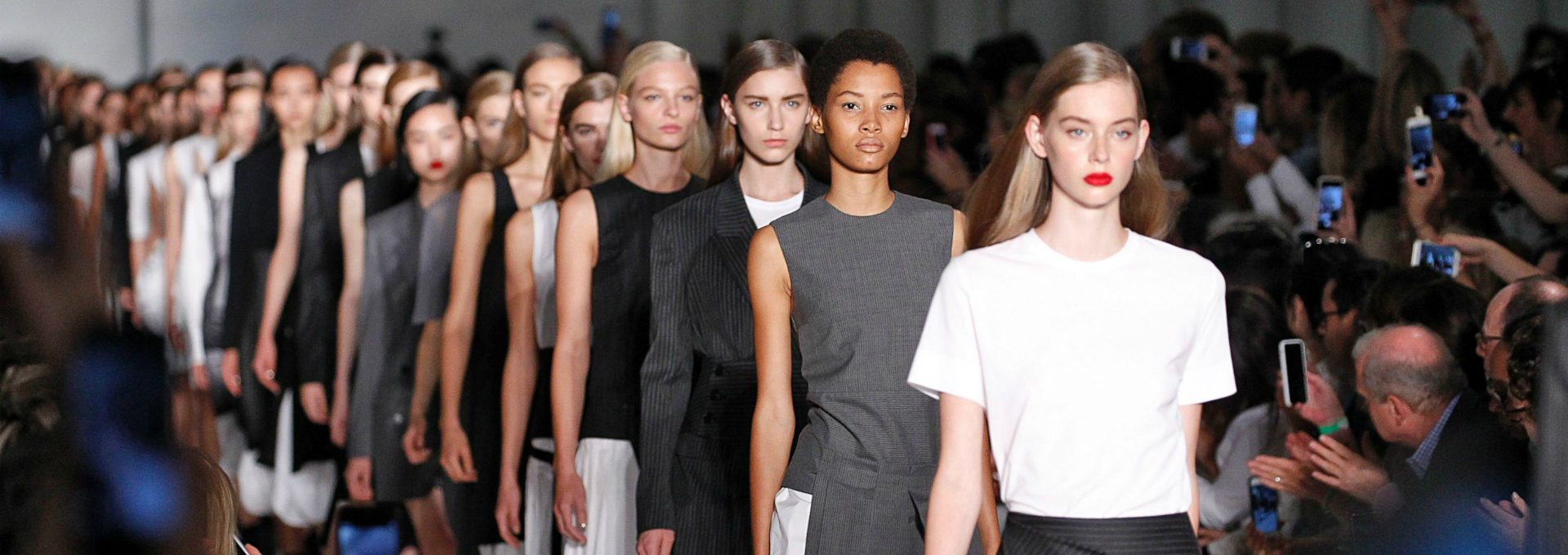 Fashion Trends - What to Expect From New York Fashion Week 2018 ➤ Discover the season's newest design news and inspiration ideas. Visit Daily Design News and subscribe our newsletter! #dailydesignnews #designnews #bestdesignevets #fashionnews #NewYorkFashionWeek2018 #NewYorFashionWeek #NYFW #NYWF2018