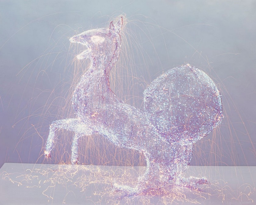 Get to Know the Breathtaking Light Sculptures by Qiu Minye - Contemporary Art - My God series - Contemporary Artists ➤ Discover the season's newest design news and inspiration ideas. Visit Daily Design News and subscribe our newsletter! #dailydesignnews #QiuMinye #LightSculptures #ContemporaryArt #ContemporaryArtists