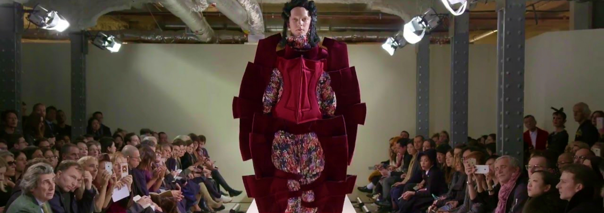 Take a Peek at Comme des Garços' Wildest Looks - Fashion Trends 2017 - Paris Fashion Week 2017 - Fashion Design News ➤ Discover the season's newest design news and inspiration ideas. Visit Daily Design News and subscribe our newsletter! #dailydesignnews #designnews #FashionTrends2017 #ParisFashionWeek2017 #FashionDesignNews #FashionTrends #ParisFashionWeek