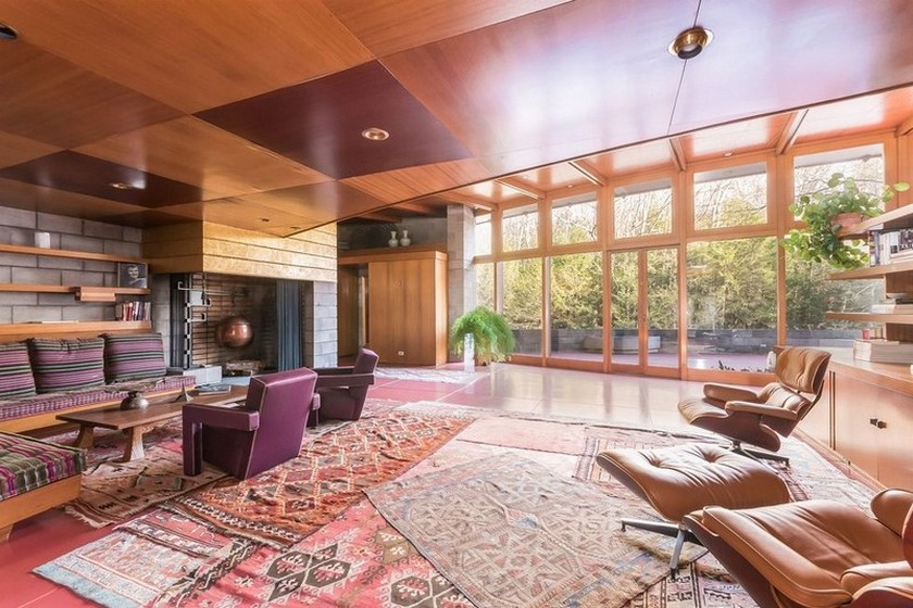 5 Amazing Frank Lloyd Wright Houses for Sale You Can't Miss > Daily Design News > The latest news and trends in the design world > #franklloydwrighthouses #americanarchitects #dailydesignews