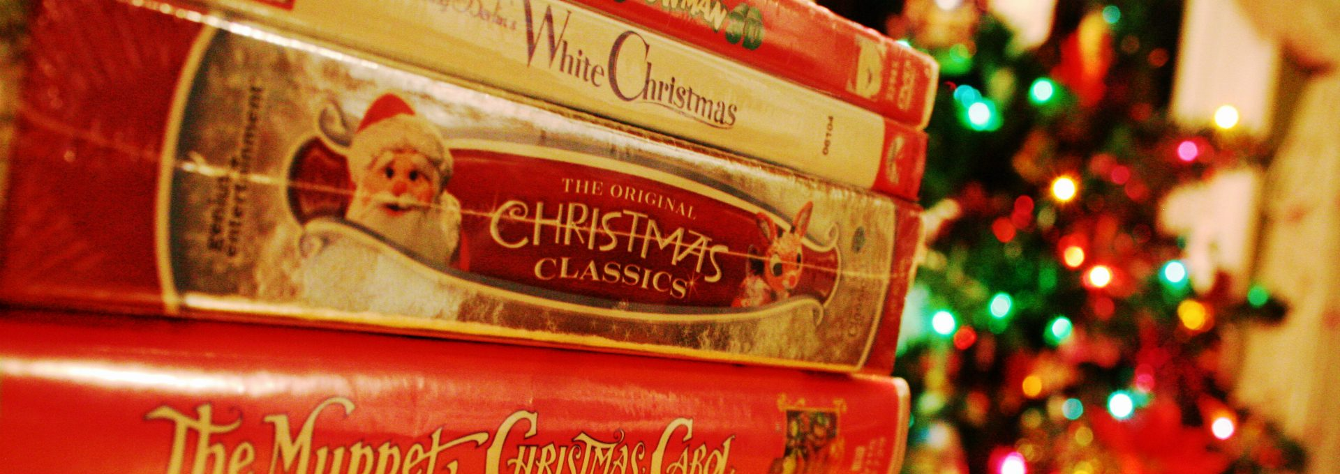 The 10 Best Christmas Movies of All Time to Make Holidays Even Merrier - Best Christmas Films - Christmas 2017 - Best Christmas Tips Ever - Best Christmas Films ➤ Discover the season's newest design news and inspiration ideas. Visit Daily Design News and subscribe our newsletter! #dailydesignnews #designnews #Christmas2017 #ChristmasTips #ChristmasFilms #ChristmasMovies