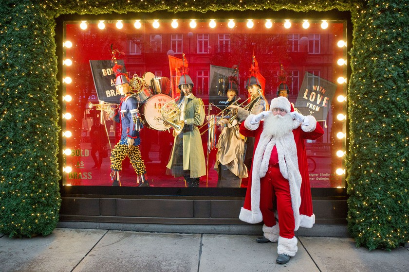 The Best Christmas Window Displays in London This Year ➤ Discover the season's newest design news and inspiration ideas. Visit Design Museum and subscribe our newsletter! #designmuseum #designevents #designnews #ChristmasWindowDisplays #WindowDisplays #HolidayDestinations #LuxuryDestinations