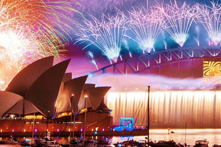 The 10 World's Best Places to Celebrate New Year's Eve - World's New Year's Eve Luxury Destinations to Celebrate Like a Boss - Best Places to Celebrate New Year's Eve 2017 ➤ Discover the season's newest design news and inspiration ideas. Visit Daily Design News and subscribe our newsletter! #dailydesignnews #designnews #NewYearsEve #NewYearsEve2017