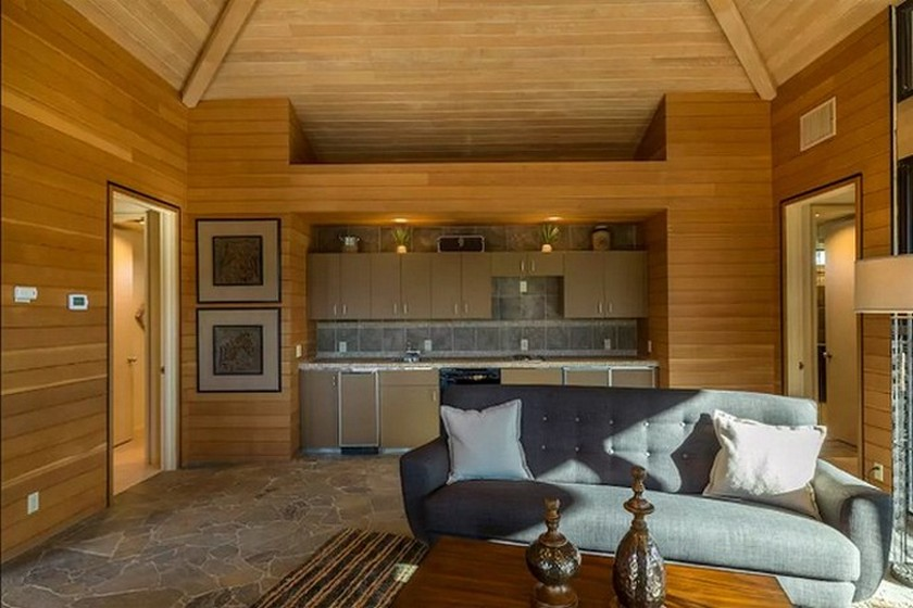 Check Out the Luxury Airbnb Where Kendrick Lamar Crashed in California > Daily Design News > The latest news in interior design > #luxuryairbnb #kendricklamar #dailydesignews