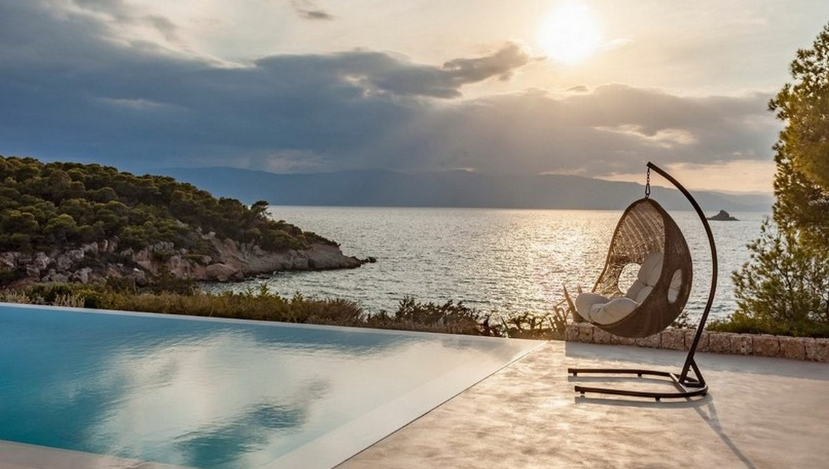 Discover Greece's Most Exclusive Private Villas and Secret Islands