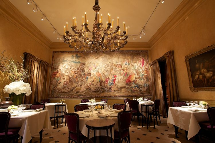 TOP LUXURY RESTAURANTS AT PARIS
