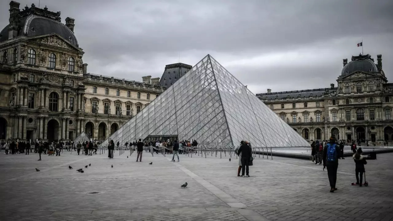 Louvre's Art Collection Fully Available Online