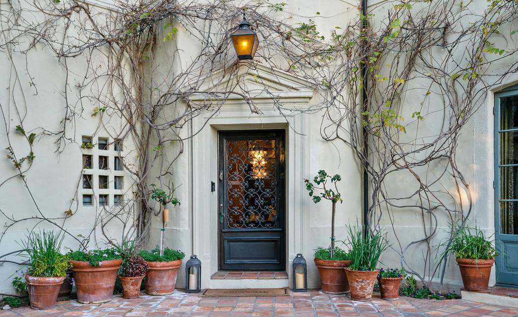 Art | The Outside of the Home by Realtor.com
