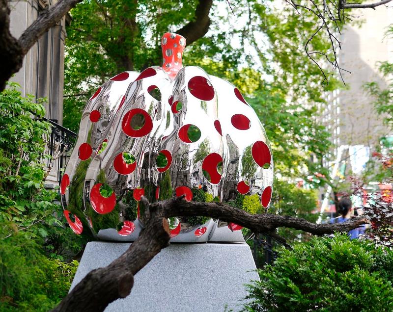 Yayoi Kusama on exhibition in the New York Botanical Garden
