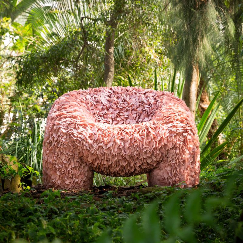 Moooi Releases Impossible To Produce The Chair with 30 000 Fabric Petals (6)