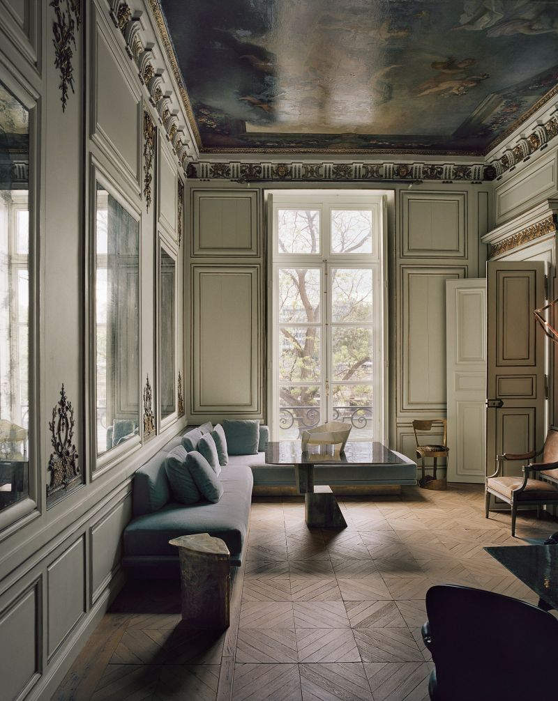 Vincenzo De Cotiis - A Paris Apartment Where Old and New Meet In Luxury